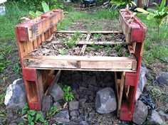 Pallet Garden | Pallet gardens made of recycled shiping pallets that divert waste from ...