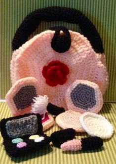 Hey, I found this really awesome Etsy listing at https://www.etsy.com/listing/189070252/crochet-makeup-set-and-bag-childrens
