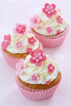 Photo about Cupcakes decorated with pink fondant flowers. Image of frosted, home, cupcakes - 12218880 Gourmet Cupcakes, Cupcake Recipes, Cupcakes Cool, Fondant Cupcakes, Decorate Cupcakes, Spring Cupcakes, Mocha Cupcakes, Strawberry Cupcakes, Easter Cupcakes