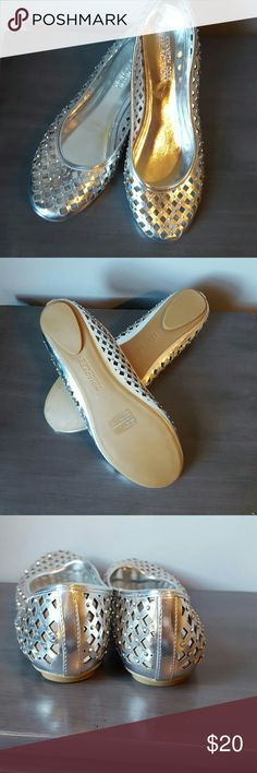 New Kenneth Cole Reaction flats Silver with rhinestone brand new Kenneth Cole Reaction Flats never worn size 8 1/2 Kenneth Cole Reaction Shoes Flats & Loafers