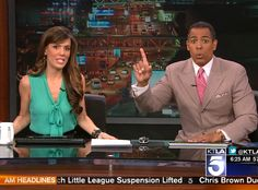 Earthquake, KTLA Chris Schauble reaction to the #Earthquake while anchoring the news with Megan Henderson