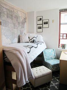Looooove the map on the wall! College Dorm Room Decor! // dorm room inspiration