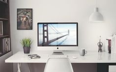 Free iMac 5k Retina 27-Inch Home Office Mockup