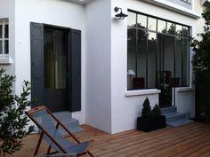 verriere avec soubassement maçonné Front Windows, Bow Windows, Inn N Out, Terrace Garden, Exterior Design, Extensions, Home Goods, Sweet Home, New Homes