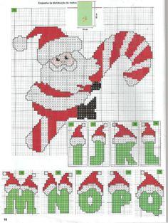 Ela está bordando e está ficando o máximo! Santa Cross Stitch, Cross Stitch Baby, Cross Stitch Alphabet, Cross Stitch Charts, Cross Stitch Designs, Cross Stitch Patterns, Cross Stitching, Cross Stitch Embroidery, Christmas Alphabet