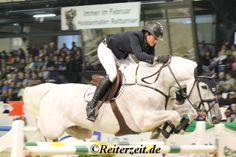 In Linz ist ebenfalls das Turnier gestartet, mit Nationenpreis, hier die ersten Ergebnisse: http://reiterzeit.de/turnierergebnisse-reitsport/linzer-pferdefestival/ Katrin Eckermann (Foto) war beim Nationenpreis dabei.  #Springreiten #Pferdesport #Reitsport #FEI #Pferde #Reiten