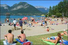 Annecy - Rhones-Alpes Un port de plaisance, des plages et de nombreuses balades et parcs (Paquier, Albigny, Marquisats, jardins de l'Europe) occupent les bords du lac pour le plaisir de tous. http://www.fasthotel.com/rhone-alpes/hotel-annecy-seynod
