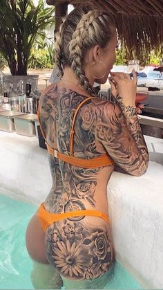 selfie Amateur latina with tattoos