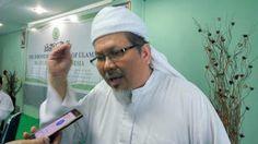 Berita Islam ! Ustadz Tengku: Kenapa Aksi Umat Islam DIHALANGI? Karena SOLIDARITAS dan SOLIDnya Umat Islam BERBAHAYA! ... Bantu Share ! http://ift.tt/2vOlk02 Ustadz Tengku: Kenapa Aksi Umat Islam DIHALANGI? Karena SOLIDARITAS dan SOLIDnya Umat Islam BERBAHAYA!  Aksi umat Islam bela Rohingya pada Jum'at (8/9/2017) di masjid An Nur Magelang 1.5 km dari Borobudur dihadiri ribuan massa yang datang dari berbagai daerah di Indonesia. Namun banyak yang tak bisa sampai ke lokasi karena banyaknya…