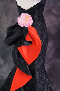 Red & Black Dress Back Detail Close Up