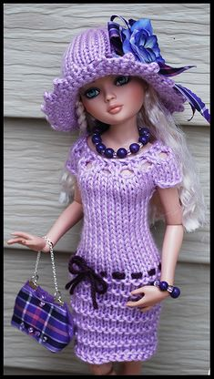 Crochet Barbie Patterns, Crochet Doll Dress, Knitted Dolls, Knitting Dolls Clothes, Doll Clothes Patterns, Barbie Wardrobe, Crochet Barbie Clothes, Clothes Crafts, Barbie Dress