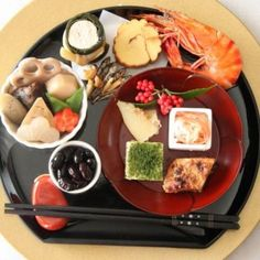 Japanese new year's dish Japanese Dishes, Japanese Food, Home Recipes, Asian Recipes, Japanese New Year, Bento, Bon Appetit, Catering, Sushi