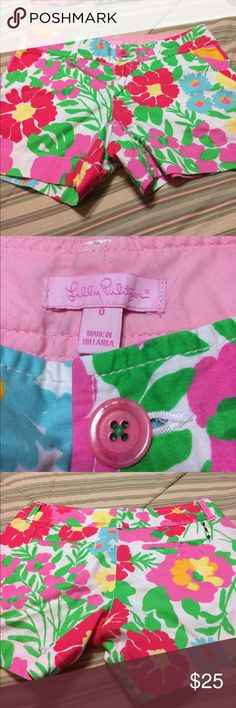 Lilly Pulitzer Shorts Great Condition / Waist measures approx 30 inches Lilly Pulitzer Shorts