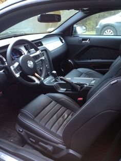 picture of 2014 ford mustang v6 premium interior - 2014 Ford Mustang Convertible Interior