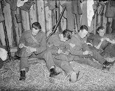 Soldiers write letters home from their billet in France, 1939 British Soldier, British Army, Normandy Ww2, Letters From Home, World War One, Human Nature, Vietnam War, Romance Novels, Military History