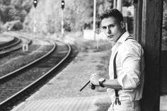 David #Schienen #rails #Zigarre #cigar #schwarzweiß #blackandwhite #man #Mann #fashion #Plauen #Vogtland #visuelle-neugier.de