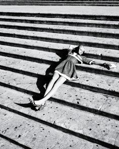Look how the shoes echo the steps. Brilliant!