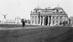 Buda Castle, Vintage Architecture, Budapest Hungary, Old Photos, The Past, Louvre, History, Building, Travel