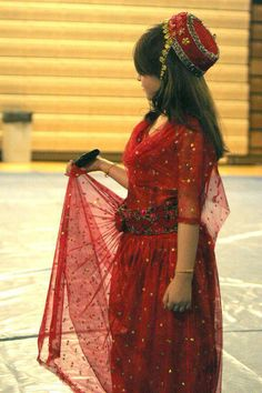 Kurdish girl in a kurdish dress