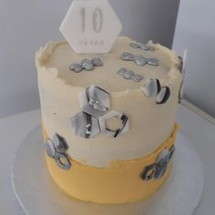10th Wedding Anniversary, Crazy Cakes, Carrot Cake, Cake Decorating, Wedding Cakes, Desserts, Daily Inspiration, Food, Ideas