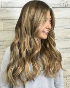 Blonde hair, Balayage, honey Balayage, blonde, pretty hair, balyage, long hair, long hair Balayage, what should I do with my hair next, next hair color, hair color for tan skin, blended hair, dark to blonde hair.