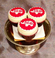 Red velvet cupcakes as sweet as my Sorors! Yummy Treats, Delicious Desserts, Sweet Treats, Cupcake Toppers, Cupcake Cakes, Elephant Stuff, Divine Nine, Greek Gifts, Cupcake Couture