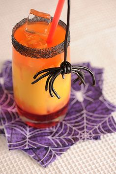 licorice spiders and Halloween drinks! http://squarepennies.blogspot.com/2012/10/cute-halloween-spiders-to-make.html