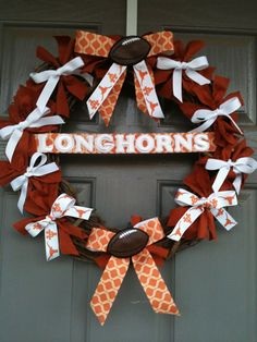 cheer wreath - this would be easy to do for football season - for any team!!!