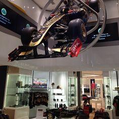 Lotus Store #RegentStreet #Lotus #London - @Claus Simonsen