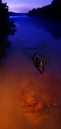 Chattahoochee Kayaker, Atlanta. Wow when I used to shoot the hooch as a teenager it never looked so serene. In fact it was noisy, dangerous and crazy... hum this must have been at 5 a.m. MTD #kayak #kayaker #kayaking