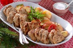 Rosmarinstekte epler er godt tilbehør! Shrimp, Pork, Chicken, Advent, Kale Stir Fry, Pork Chops, Cubs