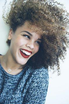 Curls x Lip Color x Brows . Vida Natural, Be Natural, Natural Hair Care, Natural Hair Styles, Natural Girls, Natural Wonders, Natural Afro Hairstyles, Cool Hairstyles, Hairdos
