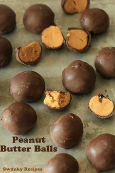 Fluffy peanut butter balls coated in a layer of chocolate. Tastes just like Reese's Candy. This is easy Peanut Butter Truffles Recipe. Whipped Peanut Butter, Peanut Butter Truffles, Chocolate Peanut Butter, Chocolate Sweets, Christmas Desserts, Christmas Baking, Christmas Candy, Christmas Ideas, Holiday Treats