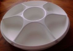 VTG TUPPERWARE 6 SECTION PLUS CENTER SNACK TRAY VEGGIE TRAY WITH LID CARRIER in Platters | eBay