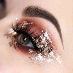Make Up; Make Up Looks; Make Up Augen; Make Up Prom;Make Up Face; Bronze Eye Makeup, Eye Makeup Art, Makeup Inspo, Makeup Inspiration, Makeup Tips, Hair Makeup, Makeup Ideas, Silver Makeup, Prom Makeup