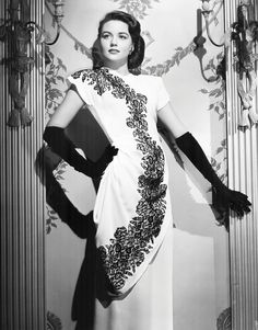 Dorothy Malone, 1946, wearing a dress by Milo Anderson