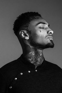 Face Tattoos for Men: Face Tattoo's trend is increasing to the next level. If you are looking to get face tattoo then we can help you with that. Here you will see some great tattoos for the face which men can try. Face Tattoos For Men, Face Tats, Facial Tattoos, Hot Tattoos, Body Art Tattoos, Girl Tattoos, Tattoos For Guys, Sexy Tattooed Men, Street Tattoo