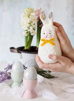 Easter bunny, easter table decorations, easter table ideas, easter decor inspiration #easter #easterbunny #eastereggs #easterbasket #springdecor