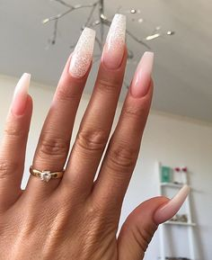 ✨ @missnicolemaria  _____________________________________________  #nails #nail #beauty #pretty #girl #girls  #sparkles #styles #gliter #nailart #art #opi  #essie #unhas #preto #branco #rosa #love #shiny #polish #nailpolish #nailswag #anastasiabeverlyhills #vegas_nay #wakeupandmakeup #hudabeauty #instanails #notpolish #instanails #notd