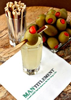 Let's kick off Dirty Week with these Dirty Martini Shots! Last week it was all about chocolate and roses. But this week, we're getting dirty. Dirty Martini Recipe, Martini Recipes, Drinks Alcohol Recipes, Margarita Recipes, Alcohol Shots, Alcoholic Desserts, Cocktail Recipes, Drink Recipes, Cocktails