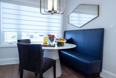ViVi Upholstery is a reputed name for customized Residential and Hospitality Upholstery services in North York. We provide our Upholstery services across Toronto, GTA. North York, Upholstery, Kitchen, Siblings, Cuisine, Upholstered Furniture, Home Kitchens, Kitchens, Cucina