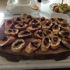 A memorable lunch with friends..... - The Enchanted Home Fig Crostini