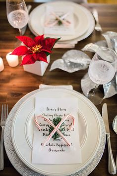 Simple Holiday Table Setting: Clip a piece off your Christmas tree & layer two candy canes over a printed menu! Christmas Eve Meal, Christmas Time, Christmas Gifts, Christmas Decorations, Table Decorations, Christmas Ideas, Merry Christmas, Come Dine With Me, Xmas Party