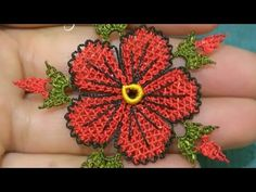 Needle lace Flower seed making - Flores Needle Tatting, Needle Lace, Lace Making, Flower Making, Lace Flowers, Fabric Flowers, Fabric Flower Brooch, Plastic Bottle Crafts, Paper Beads
