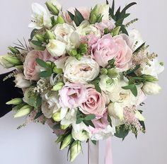 "Polubienia: 1,387, komentarze: 8 – Meijer Roses (@meijerroses) na Instagramie: ""Sweet Avalanche and company. Bouquet by @paperwhitefloraldesign . . . #meijerroses #flowers…"""