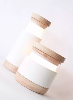 Minimalist Table Lamp that can be Lit by Pulling the Top – Abre Lamp - The Great Inspiration for Your Building Design - Home, Building, Furniture and Interior Design Ideas Minimalist Home Decor, Minimalist Interior, Clean Design, Minimal Design, Contemporary Lamps, Sustainable Design, Lamp Design, Lamp Light, Inspiration