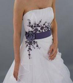 Braut im Schmetterling Brautkleid Modell