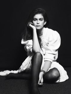 Kaia Gerber Vogue (She looks just LIKE her mom)