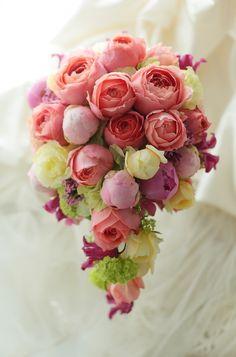 ショートキャスケードブーケ 明治記念館様へ ロマンティックアンティークの画像:一会 ウエディングの花