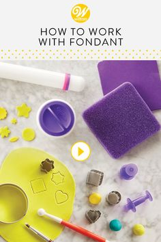 Watch and learn some helpful tips and tricks when it comes to working with fondant. Fondant is a pli Wilton Fondant, Fondant Tips, Wilton Cakes, Fondant Tutorial, Fondant Cakes, Cupcake Cakes, Fondant Recipes, Cake Recipes, Tips